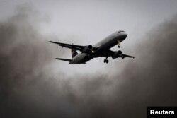 Le complot visait à placer une bombe à bord d'un avion de ligne en route pour les Etats-Unis