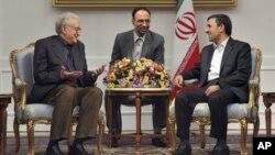 Ðặc sứ của LHQ Và Liên đoàn Ả rập về Syria Lakhdar Brahimi hội đàm với Tổng thống Iran Mahmoud Ahmadinejad tại Tehran