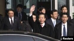日本執政聯盟公明黨代表山口那津男訪問中國﹐星期二抵達北京首都國際機場