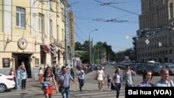 莫斯科街头。中国将投资建设和改造莫斯科地铁和公共服务设施。(美国之音白桦拍摄)