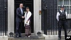 Аун Сан Су Чжи и Дэвид Камерон. Лондон.