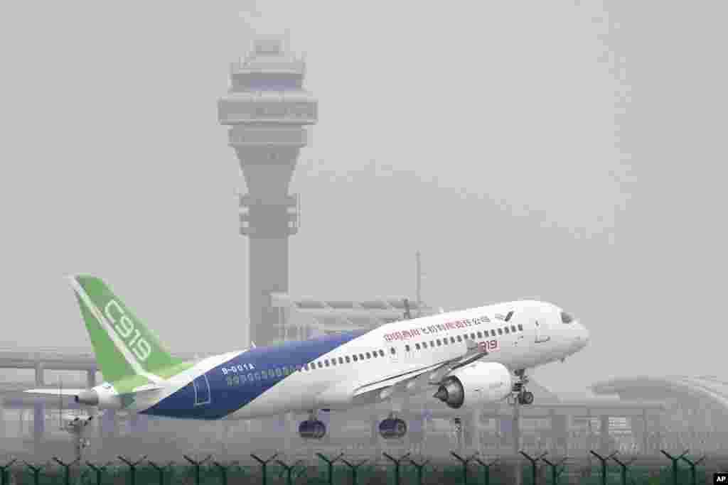 نخستین پرواز همواپیمای مسافربری C۹۱۹ ساخت چین از فرودگاه بین المللی شانگهای