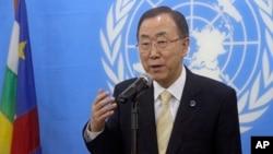 Sekjen PBB Ban Ki-moon memberikan keterangan pers (foto: dok).