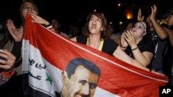 敘利亞反對派的持續舉行示威﹐抗議阿薩德得獨裁統治。