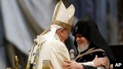 Папа Франциск и первоиерарх Армянской Апостольской Церкви Гарегин II