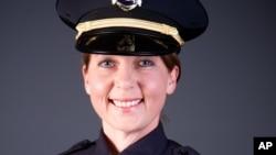 미국 오클라호마 주 털사에서 지난 16일 비무장 흑인 테렌스 크러처를 사살한 혐의로 기소된 경찰관 베티 셸비.