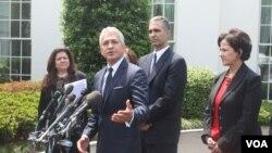 Javier Palomarez, presidente y CEO de la Cámara de Comercio Hispana de EE.UU. durante la conferencia que ofrecieron en la Casa Blanca. [Foto: Mitzi Macias, VOA].