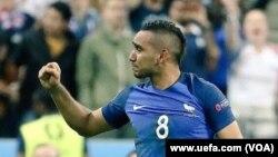 پايت در آخرين لحظات دقيقه ٩٦ گول دوم را برای فرانسه به ثمر رساند.