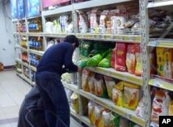 北京超市里的食品价格上涨