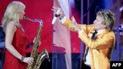 """Rod Stuart përfundon vëllimin e albumeve muzikore """"Songbook"""""""