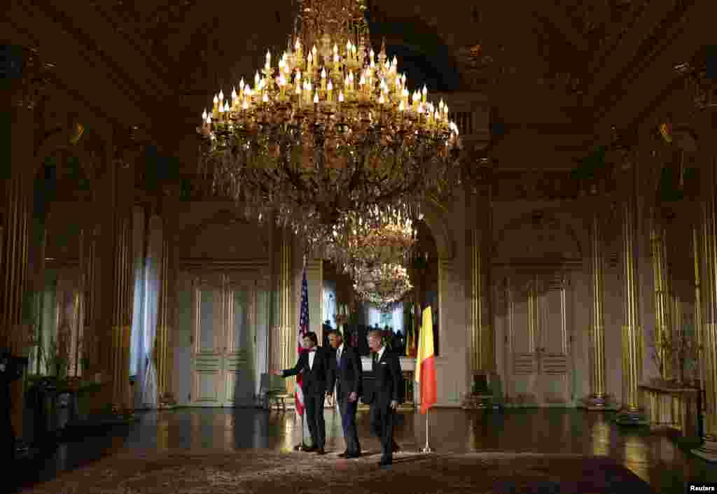 U.S. President Barack Obama meets with Belgian King Philippe and Belgian Prime Minister Elio Di Rupo at the Royal Palace of Brussels, June 4, 2014.