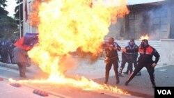 Opozita në protesta në qendër të Tiranës