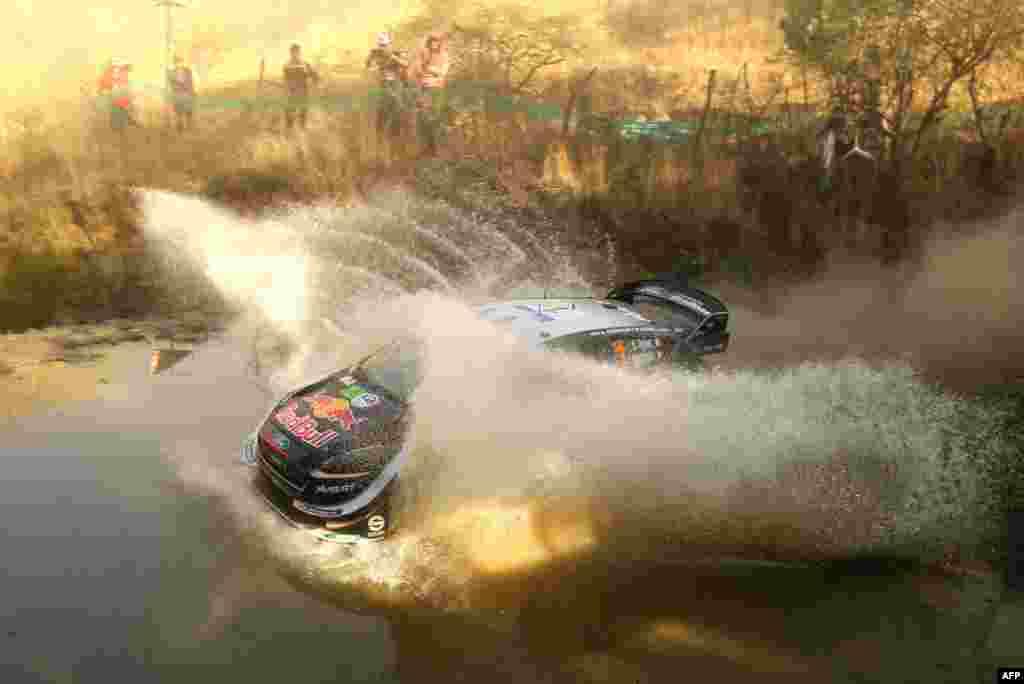 កីឡាករ Sebastian Ogier និងកីឡាករ Julien Ingrassia បើករថយន្ត Ford Fiesta WRC ក្នុងថ្ងៃទី១នៃការប្រកួត 2018 FIA World Rally Championship នៅក្នុងក្រុង Leon រដ្ឋ Guanajuato ប្រទេសម៉ិកស៊ិក កាលពីថ្ងៃទី១០ ខែមីនា ឆ្នាំ២០១៨។