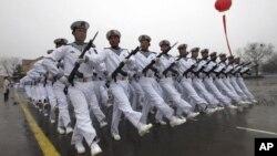 Hải quân Trung Quốc diễu hành tại trung tâm đào tạo ở Thanh Đảo trong tỉnh Sơn Đông, phía đông Trung Quốc