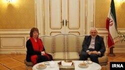 محمد جواد ظریف وزیر امور خارجه ایران و کاترین اشتون، مسئول سیاست خارجی اتحادیه اروپا
