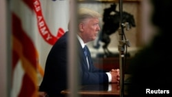 Obraćanje predsednika Donalda Trampa naciji iz Ovalne kancelarije povodom koronavirusa (Foto: Reuters)