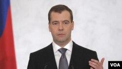 Presiden Rusia Dmitry Medvedev mengungkap paket reformasi demokratis dalam pidato tahunan di Kremlin, Kamis (22/12).