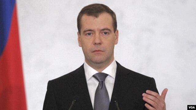 Kampanye pelarangan merokok di tempat umum di Rusia yang dimotori Presiden Dmitry Medvedev tampaknya akan mendapatkan tantangan dari rakyatnya.