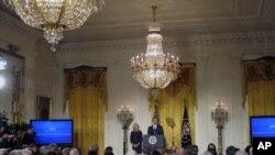 白宫的社区大学峰会开幕式