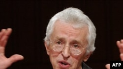Khoa học gia hạt nhân Mỹ Siegfried Hecker