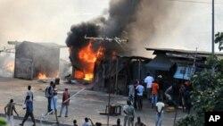 Milhares de civis fogem aos confrontos na Costa do Marfim
