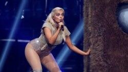 Top 5 Billboard: Bất ngờ với bản crossover country pop
