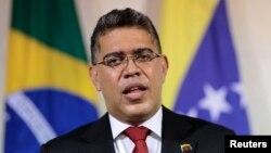 El canciller venezolano, Elías Jaua, defendió la decisión de algunos países del Mercosur de ofrecer asilo político a Edward Snowden.
