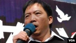 香港民主黨立法會議員胡志偉提出對行政長官梁振英的不信任動議