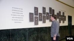 Oscar Winning Filmmaker Matthew Heineman reviews VOA's fallen journalists memorial.