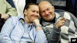 Юрий Лужков с супругой
