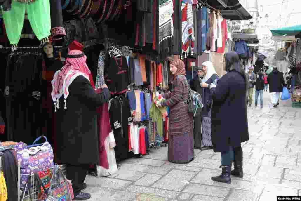 اورشلیم به روایت عکس- خرید در بخش مسلمان نشین، در بخش قدیمی شهر اورشلیم.