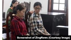 Hai bị cáo Vũ Thị Dung và Nguyễn Thị Ngọc Sương tại phiên tòa sơ thẩm ở Đồng Nai hôm 10/5. (Ảnh chụp màn hình Zing.vn)