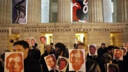 Protesters in support of artist David Wojnarowicz on the steps of the Smithsonian's National Portrait Gallery on December 2