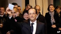 Francois Hollande na jam'iyar gurguzu wanda hasashe ya nuna cewa shi ne sabon shugaban kasar Faransa