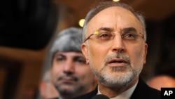 伊朗外長薩雷希在慕尼黑年度安全會議上向記者發表講話