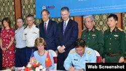 Lễ Bàn giao mặt bằng tại căn cứ không quân Biên Hòa ngày 1/11/2019 (Web Screenshot- Đại sứ quán Hoa Kỳ tại Việt Nam)