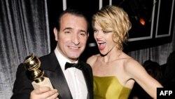Phim 'The Artist' – Người Nghệ sĩ - đoạt giải phim hài xuất sắc nhất cũng như các giải về diễn viên chính hay nhất dành cho diễn viên Jean Dujardin (trái)