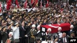 Խոշոր ցույցեր Թուրքիայում՝ ընդդեմ քրդական գործողությունների