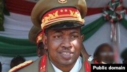 Jenderal Godefroid Niyombare mengumumkan kudeta militer di Burundi, Rabu 13/5 (foto: dok).