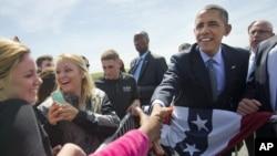 美国总统奥巴马2015年5月20日上午乘坐空军一号抵达康涅狄格州格罗顿-新伦敦机场