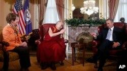 達賴喇嘛星期四會晤了國會眾院領導人貝納。