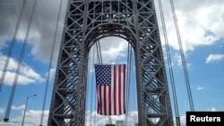 En lo que va de año han habido 13 suicidios y 40 rescates, según informaron las autoridades portuarias de Nueva York y de Nueva Jerysey.
