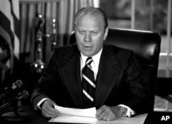 지난 1974년 9월 8일 리처드 닉슨 전 대통령에 대한 사면을 발표하고 있는 제럴드 포드 대통령.