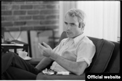 支持亚太战略的麦凯恩参议员年轻时曾是越南战俘 (国会图书馆照片)