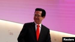 Thủ tướng Dũng cũng kêu gọi Mỹ xét tới điều kiện thực tế của Việt Nam, nhất là trong các lĩnh vực may mặc và giày dép