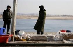 """[인터뷰 오디오 듣기] 북한주민 100명 인터뷰 """"남한에 호의적, 통일 열망 강해"""""""