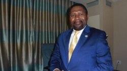 Samakuva refuta acusações de querer deixar cair Costa Júnior – 2:24