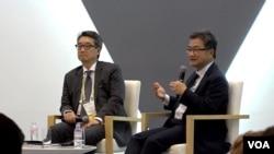 조셉 윤 전 미 국무부 대북정책 특별대표(오른쪽)와 빅터 차 전략국제문제연구소(CSIS) 한국석좌가 16일 서울에서 열린 '제9회 아시안리더십 컨퍼런스'에 참석하고 있다.