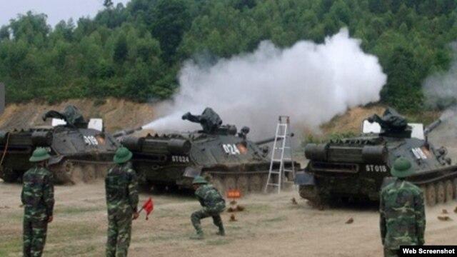 Sau nhiều năm niêm cất dài hạn, đến nay một số đơn vị pháo binh Việt Nam, trong đó có các đơn vị hỏa lực cấp quân khu đã đưa pháo tự hành ASU-85 trở lại biên chế, huấn luyện sẵn sàng chiến đấu. Ảnh chụp màn hình trang web baodatviet.vn