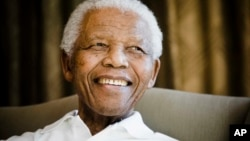 Ông Mandela là một người suốt đời theo một hệ phái Tin lành Giám lý, theo giám mục Ziphozihle Siwa thuộc Giáo hội Tin lành Nam Phi. (AP Photo/Pool-Theana Calitz-Bilt, Pool)